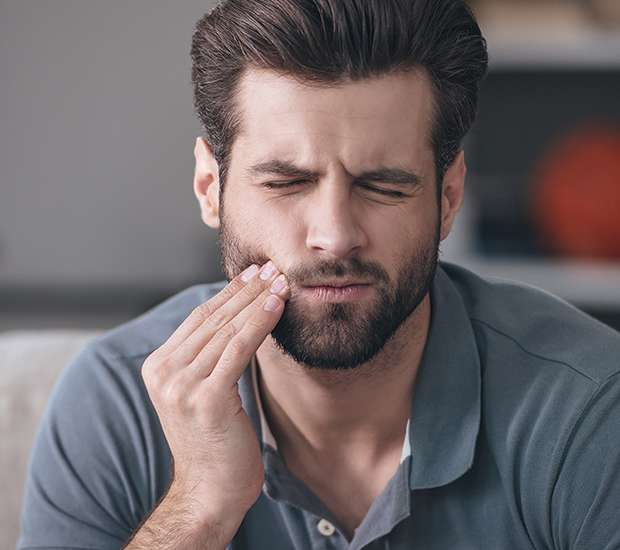 Swampscott Can a Cracked Tooth be Saved with a Root Canal and Crown