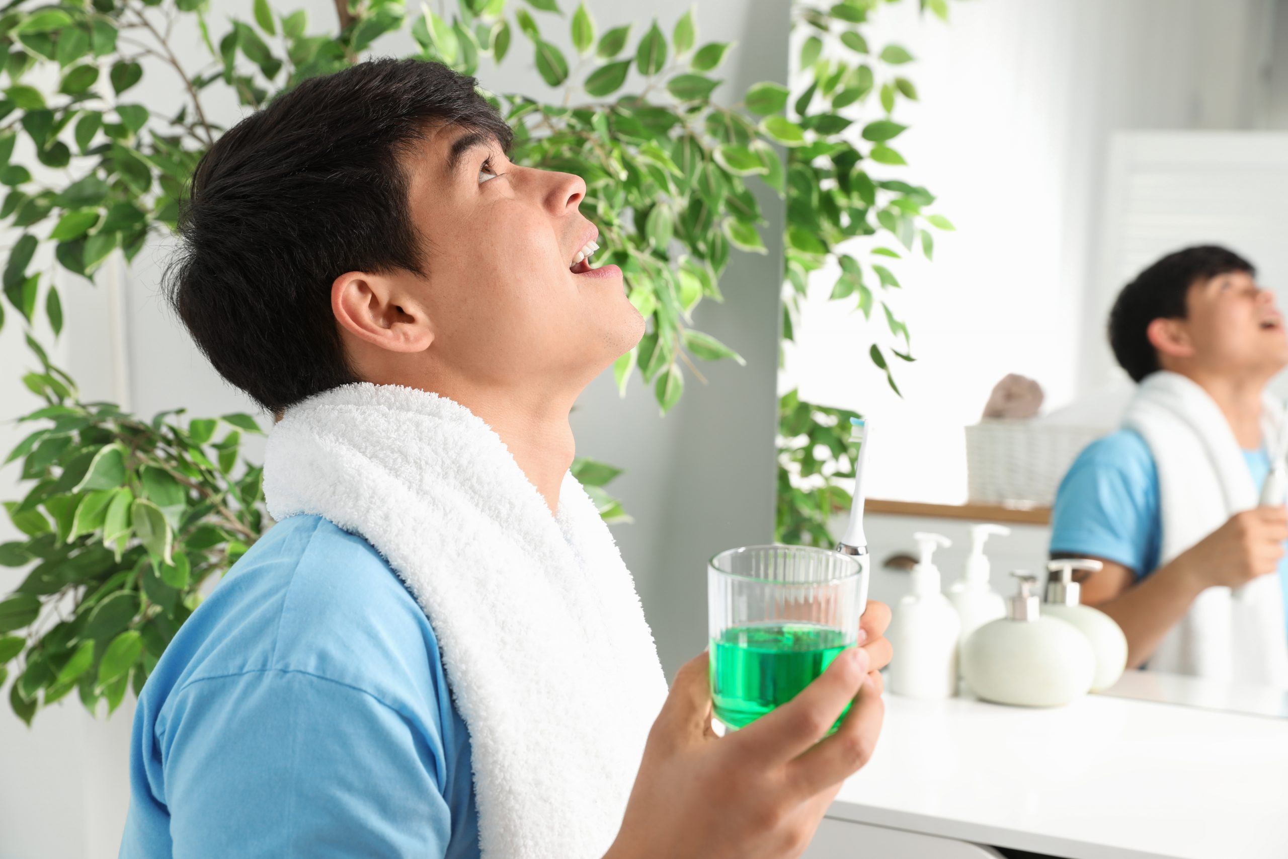 Why Should You Use Mouthwash As Part Of Your Regular Hygiene?